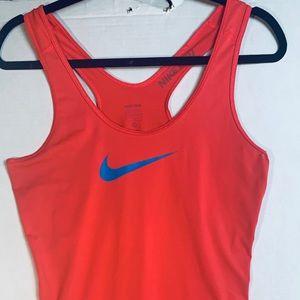 Nike racerback, sz.M